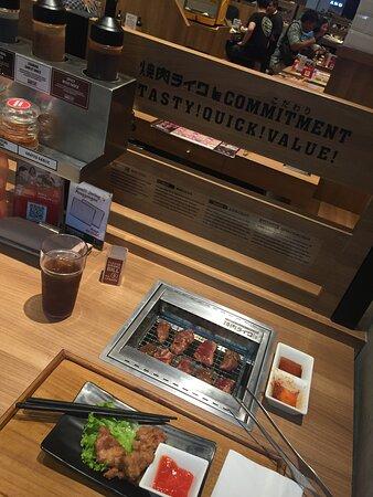 beef dan chicken (single/bar table)