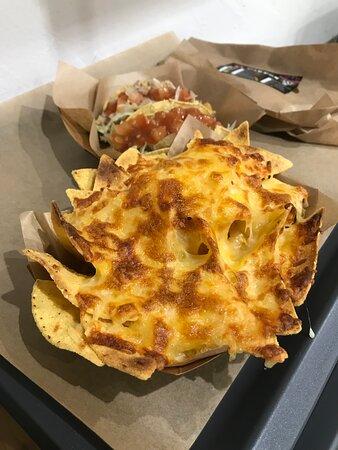 Totopos con queso