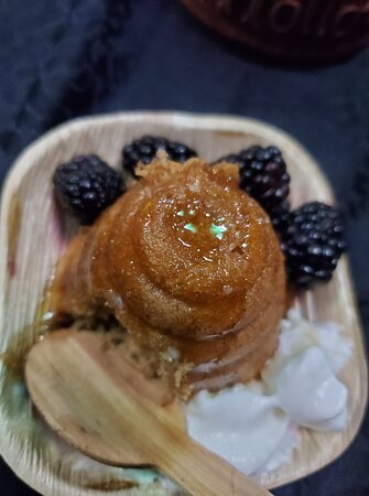 Middleville, MI: Beehive honey cakes for our Yuletide Fantasy Feast