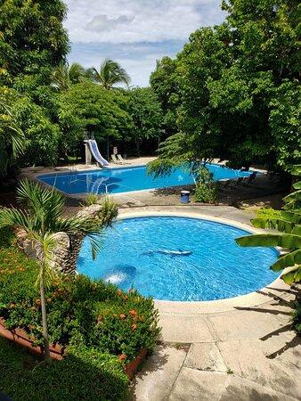 piscinas vista desde balcón segunda planta