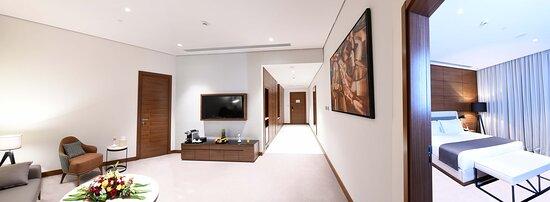 Tripadvisor - Lobby view - صورة Golden Tulip Qasr Al Nasiriah، الرياض