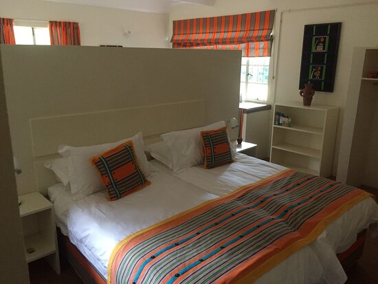 Livhuvu bedroom