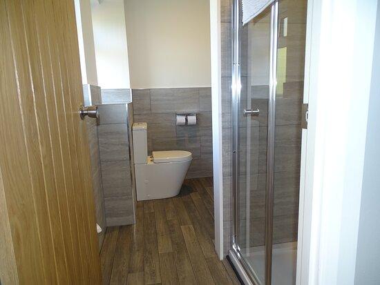 Delux Room Bathroom.
