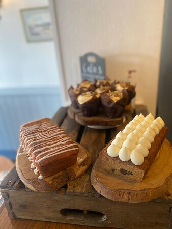 cakes from the bakery bar