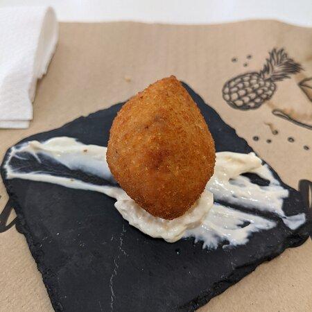 Alicante, Spain: English breakfast, croquettes, squid sandwich