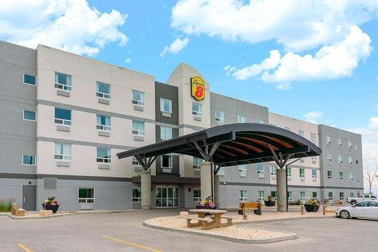 Super 8 by Wyndham Winnipeg East MB
