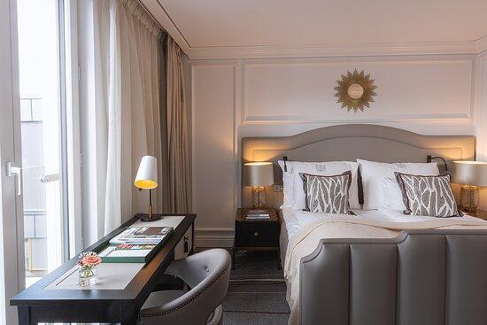 Deluxe Bedroom Suite