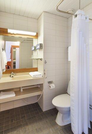 Standard room's Guest Bathroom