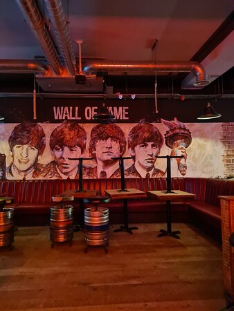 Wall Of Fame Bar & Kitchen