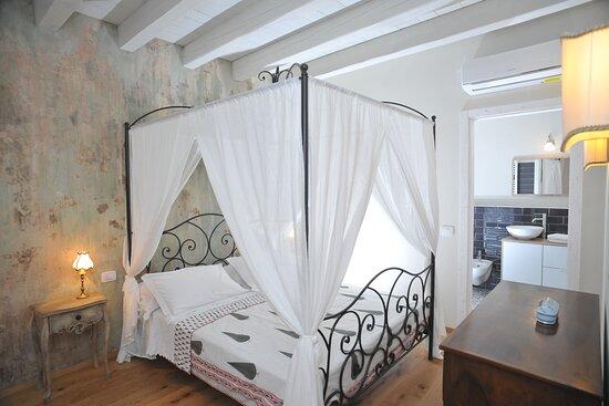 camera matrimoniale Silentium con bagno privato 23 mq - Picture of Casa Lumaca, Tremezzo - Tripadvisor