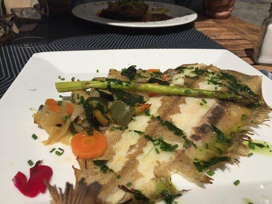 Lenguado sobre lecho de verduras