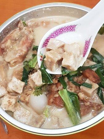 二人台客荔芋炆燒雞煲