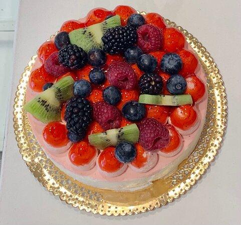 Chantilly con frutta fresca sopra
