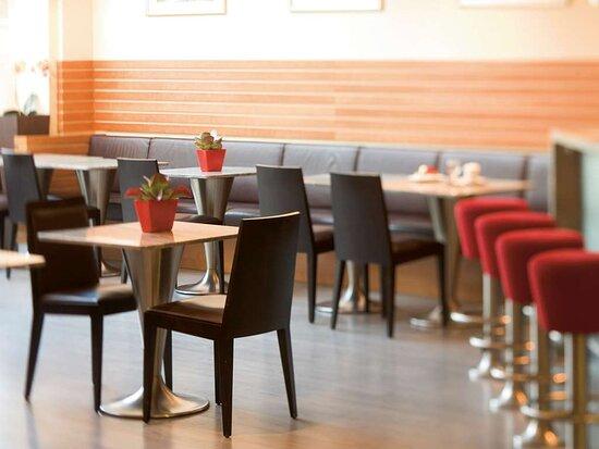 Egerkingen, Schweiz: Bar Lounge