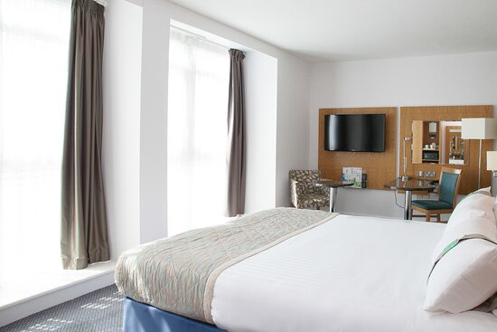 Relax  in one of our stylish Double rooms
