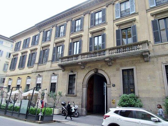 Casa Corso Monforte 16