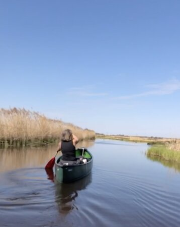 Fresh nose tour with the canoe through the nature near Amsterdam (coronaspecial): Canoe tour with Majel
