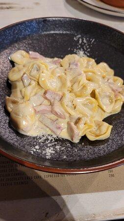 Tortellini with cream sauce and ham