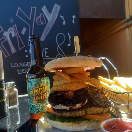 New Brighton North, New Zealand: Our burgers are more like towers