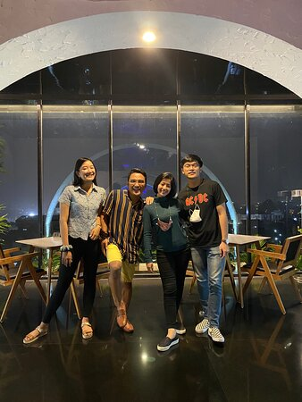 Favorite ! Recomended place to hang out. A lot of photo spot there, and very nice staffs.