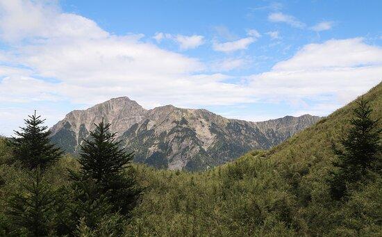 Xiaoqilai Trail