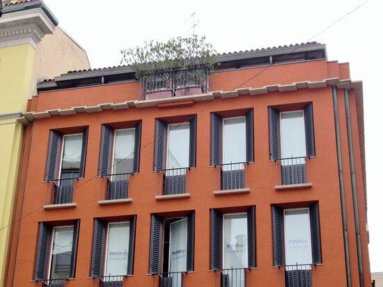 Palazzo Corso Monforte 9