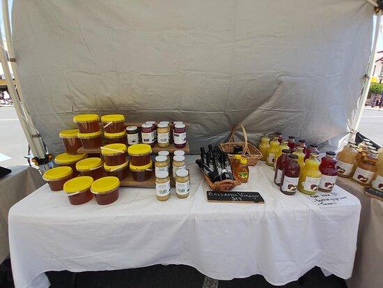 Stanthorpe, Australia: Honey and juice