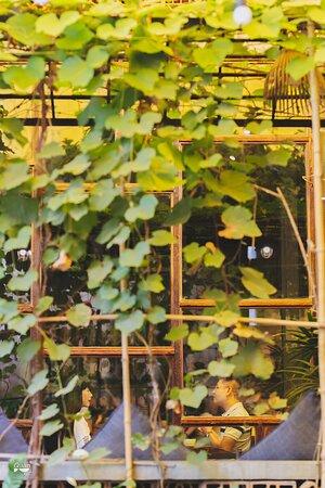 Quán Bụi Garden Booking: https://bit.ly/2FVCjnJ ➖ 📍Quán Bụi Garden - 55 Ngo Quang Huy, D2  📞02838989088