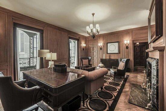 Buckingham Suite Living Room