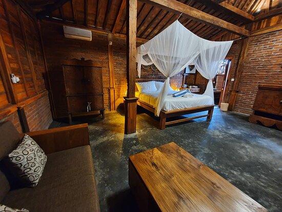 Canggu, Indonesia: Ubuntu Eco Yoga Retreat room interior