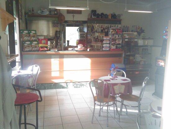 Benny's Bar