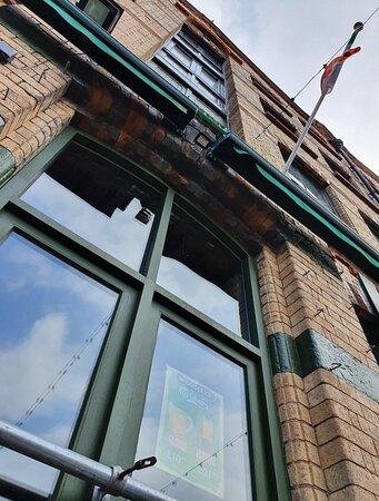 McCooley's Bar along Fleet Street