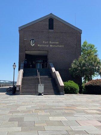 Fort Sumter Adgangsbillet og selvstyret tur med returfærge: Liberty Square Ferry Location-Fort Sumter