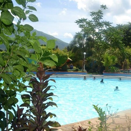 Iriga City, الفلبين: Ybalon Spring Resort a perfect place for swimming and relaxing with its spacious landscape and a big pool with spring water and kiddie pool.