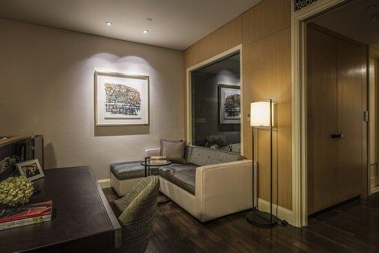 Living Room Of Cutler Suite (Studio)