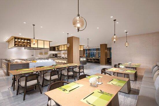 Pavilion Restaurant - Dining Area