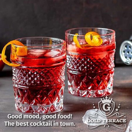 We invite you to enjoy drinks in an intimate and quiet setting in Ocna Mureș