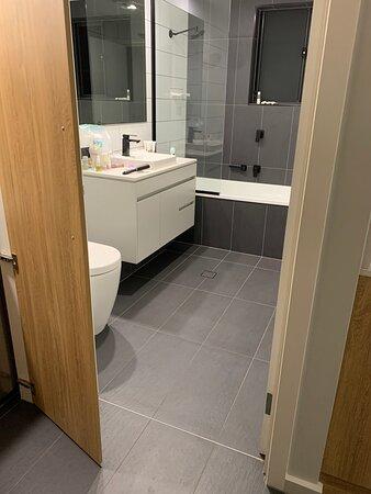 Modern, clean spacious