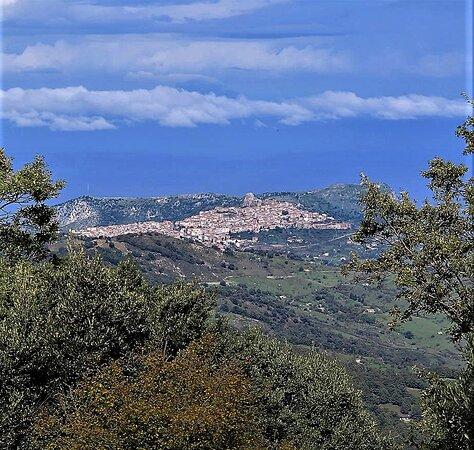 """San Fratello ( me) Alle porte del Parco dei Nebrodi, un paese di origini Normanne dove si parla ancora una lingua antica il """" Gallo italico """". Il paese natale di San Benedetto il Moro."""