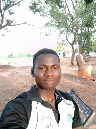 Dapaong, טוגו: LARE Yendoubouam : étudiant en Master de l' Université de Lomé. Village de pligou.