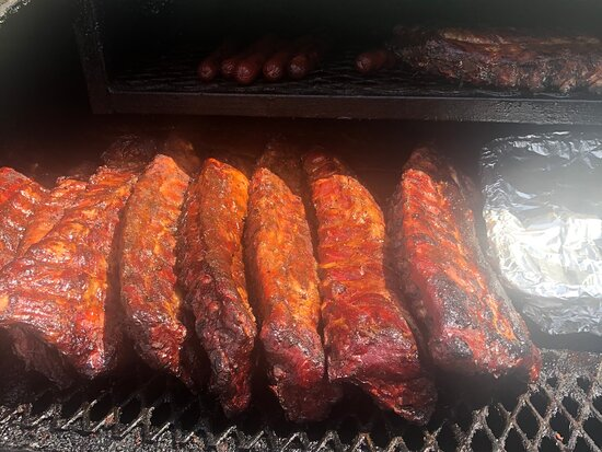 East Moline, IL: Baby back ribs