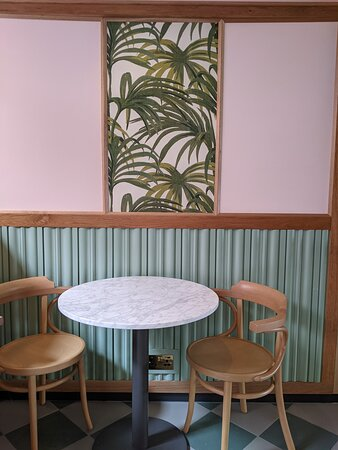 Rosa's Thai Greenwich interior
