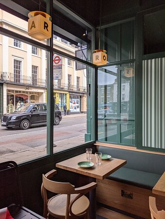 Rosa's Thai Cafe Greenwich - interior
