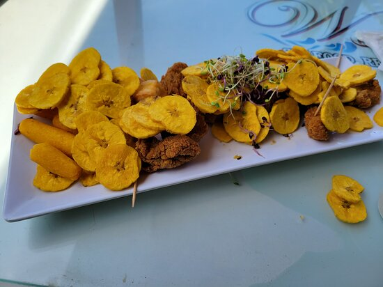 Aguada, Puerto Rico: Appetizers at Waves