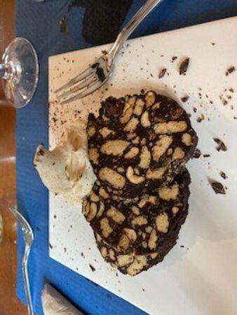 Castelltercol, Tây Ban Nha: Choco con almendras y pasas, deliciia¡¡¡¡