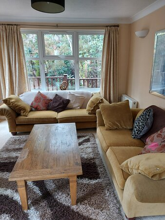 Warmwell, UK: Spacious living room