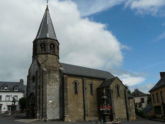 Eglise Sainte Anne De Montboudif