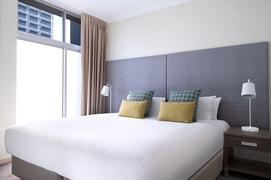 Mantra-On-Mary-Brisbane-1-Bedroom-Standard-Apartment-Bedroom