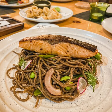 Miso Salmon & Cold Soba .. not many places offer this fusion and able to serve it so well, this it top notch!!
