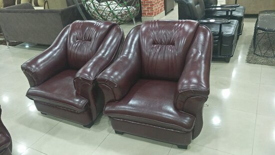 Bardhaman District, India: The true joys of life are best enjoyed with family and friends. For such big gatherings, one should have furniture that can accommodate them. Considering this, we have carefully designed these extravagant sofa sets to serve the purpose. Buy sofa set (3+2+2) online and stay uninterrupted in your life.